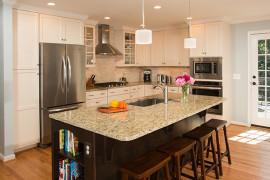 Open Concept Two-Tone Kitchen
