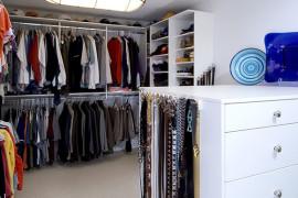 Bright & Spacious Dressing Room