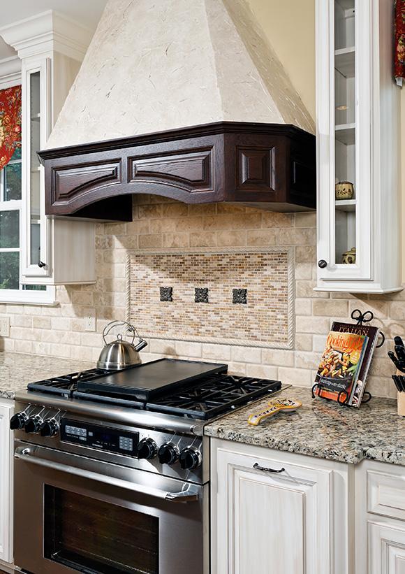 Open Concept Classic Kitchen Foxcraft